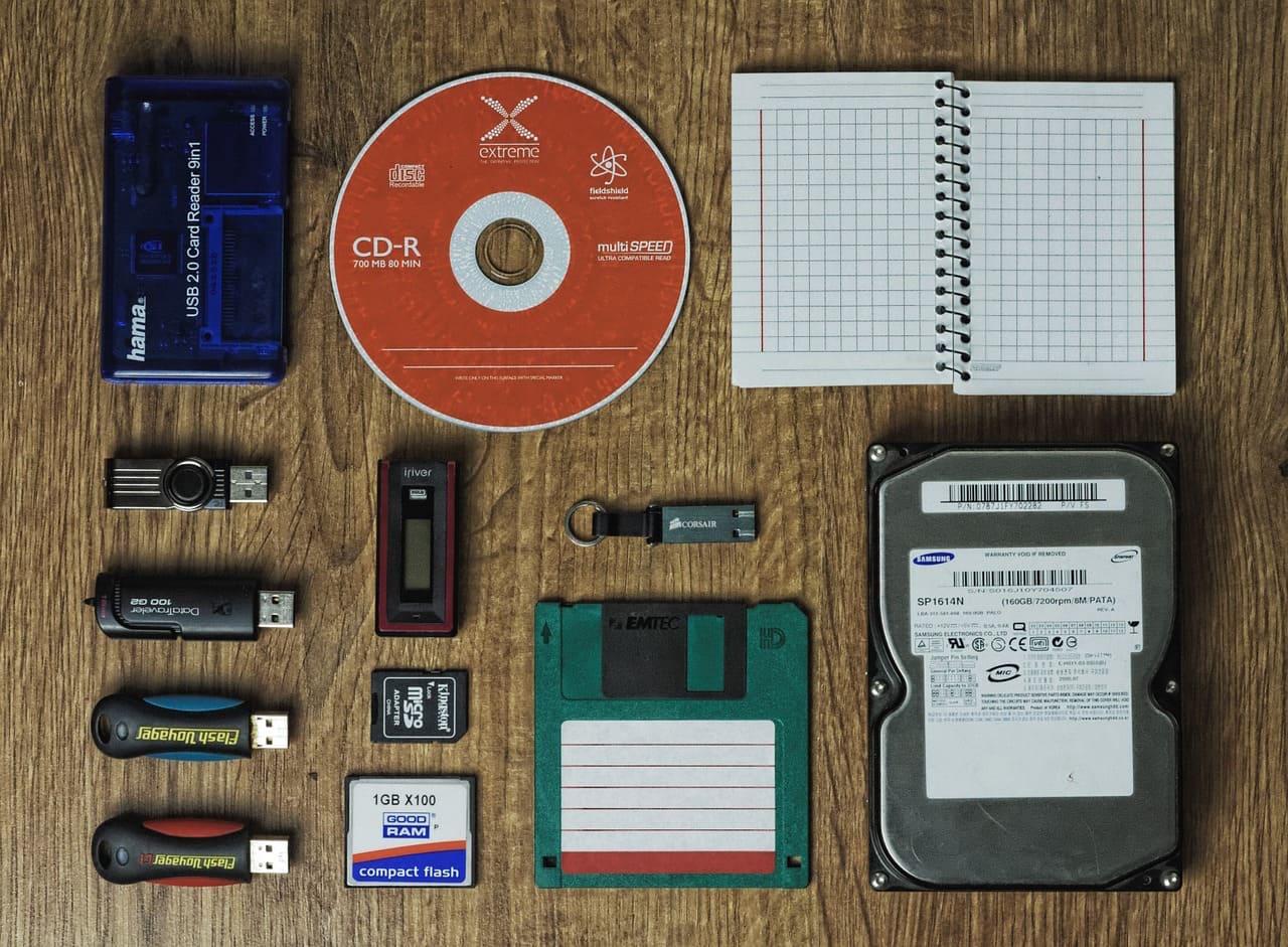 パソコンのバックアップ方法:USBメモリやクラウドで大丈夫?