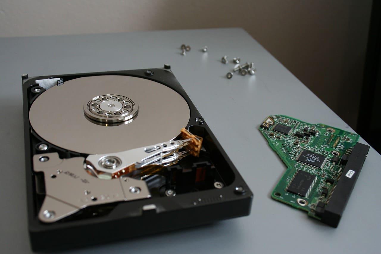 HDDとSSDは、それぞれどういった方におすすめか