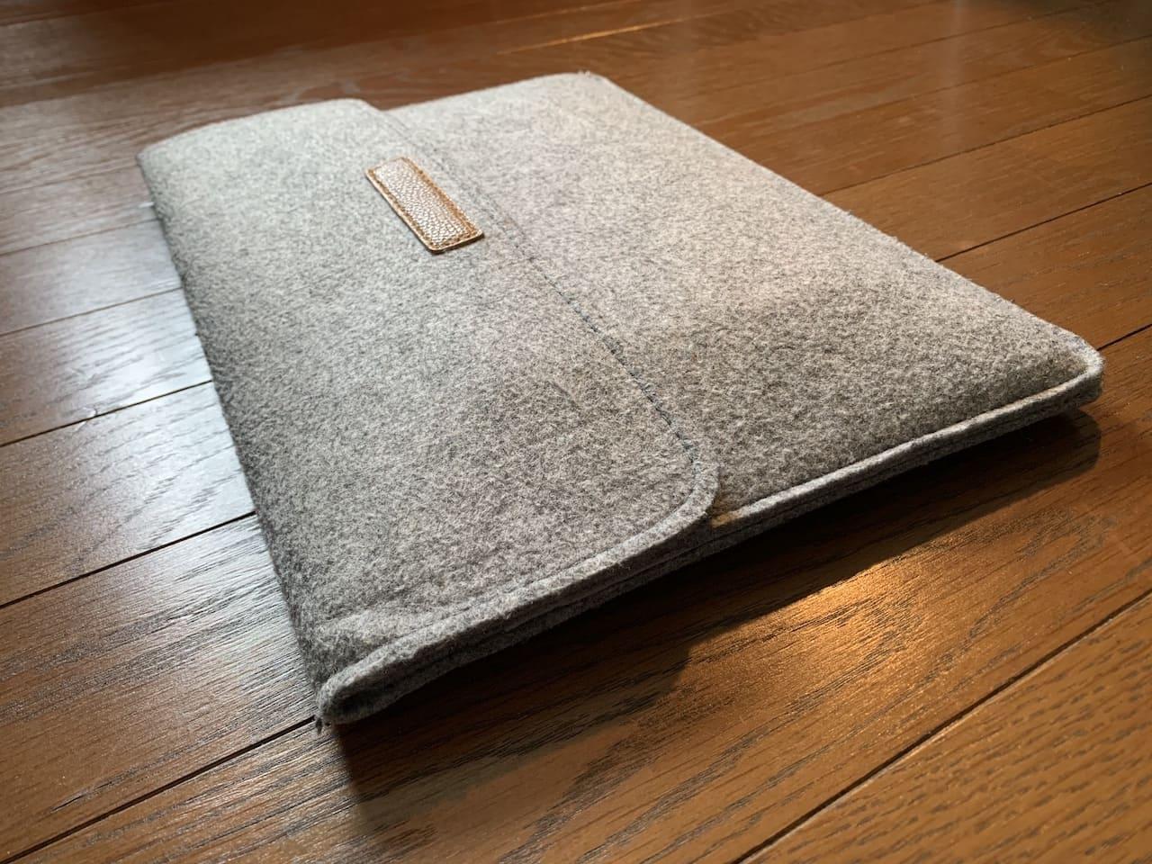 InateckのMacBookAir/Pro用ケースの外観