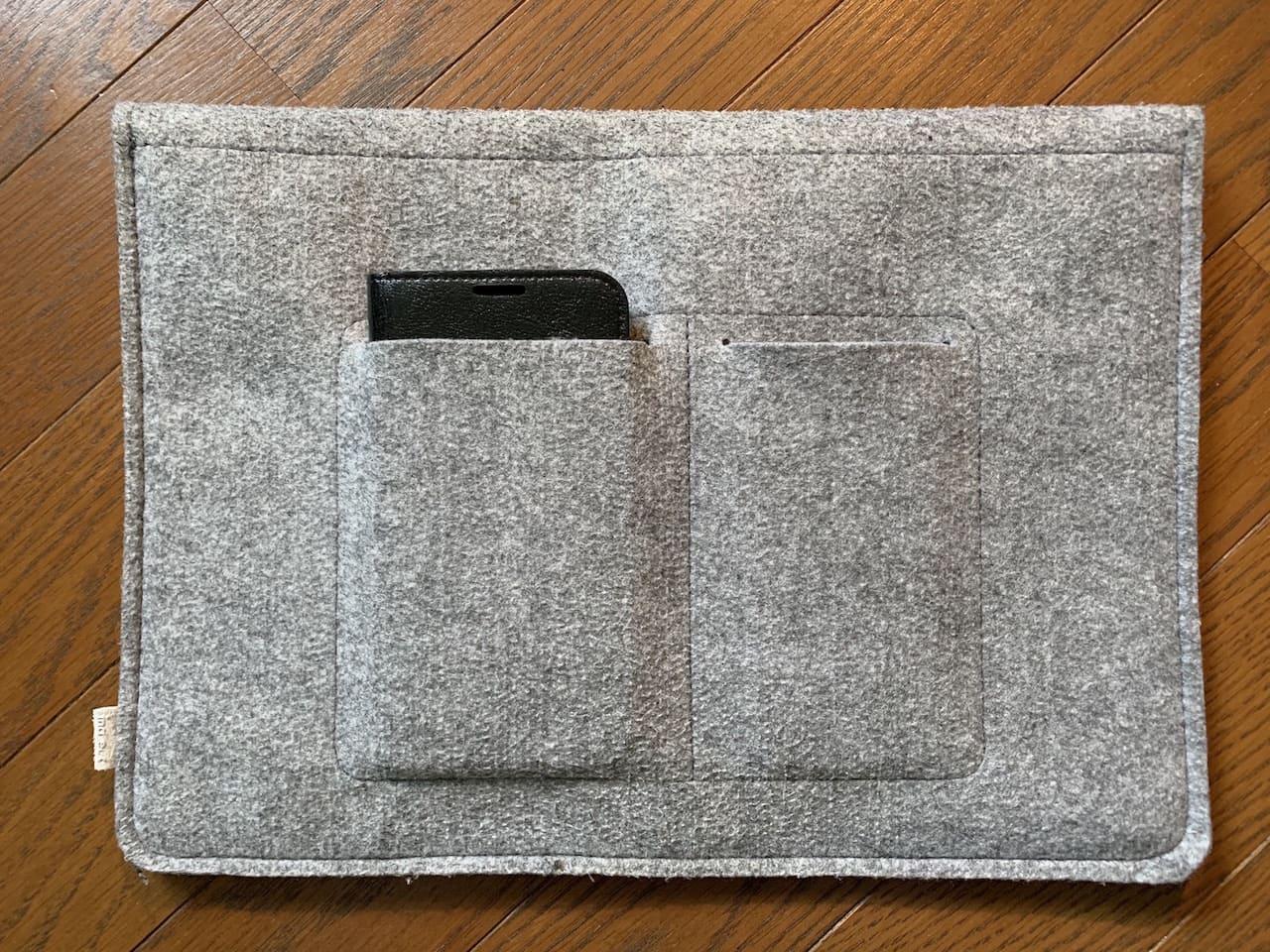 InateckのMacBookAir/Pro用ケースのポケットサイズ②