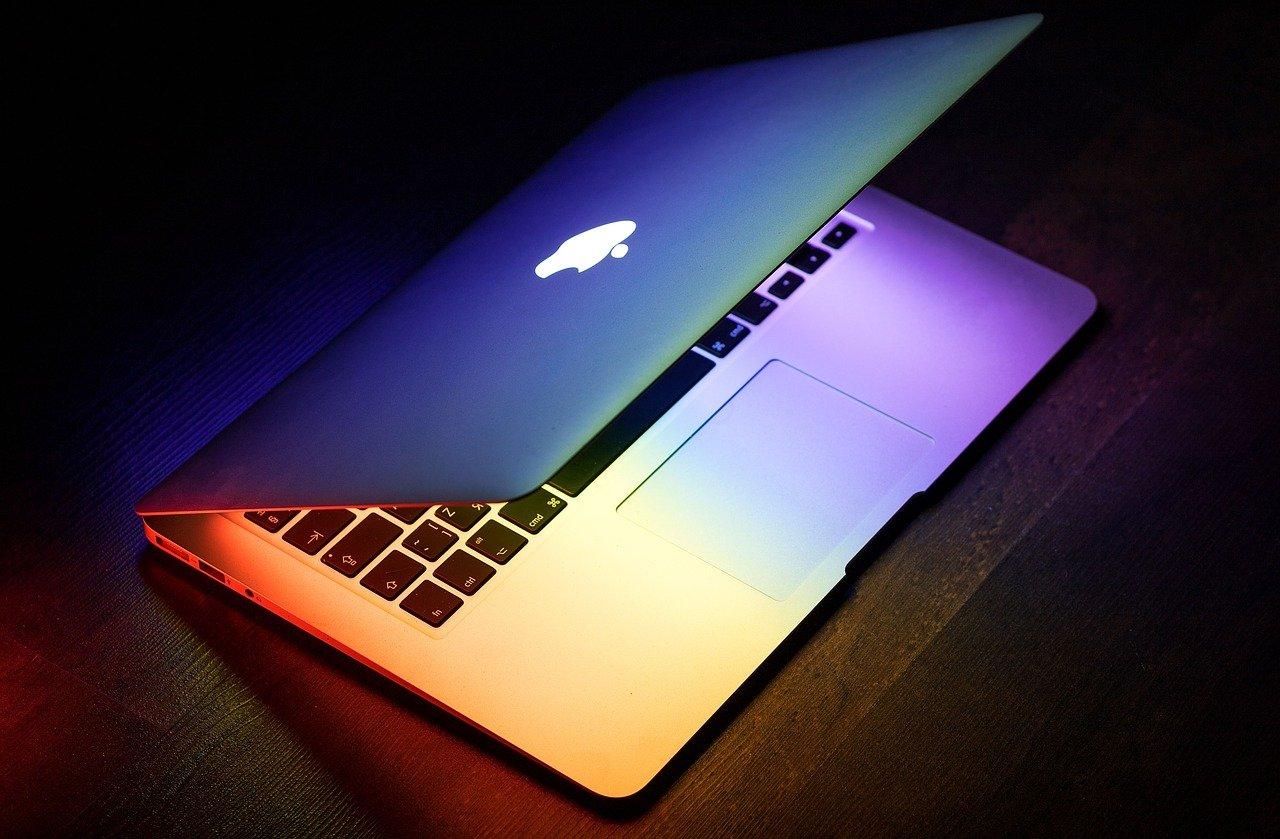 自分でMacBookProのバッテリー交換をする際の注意点